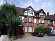 2 bedroom Apartment to rent in Croydon