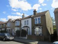 3 bedroom End of Terrace property to rent in Benson Road, Croydon
