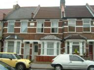 2 bedroom Terraced house in East Croydon, Surrey