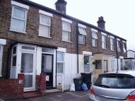 Jennett Road Terraced property to rent