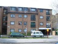 2 bedroom Apartment in South Croydon, Surrey