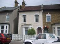 Apartment to rent in Thornton Heath, Surrey