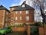 Flat in Chantry Court...