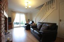 2 bed property in River Lea Gardens...