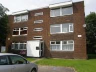 Flat to rent in Peveril Crescent...