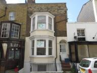 Ground Flat to rent in Addington Street...