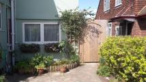 Ground Flat to rent in Gloucester Avenue...