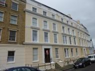 2 bed Flat to rent in Royal Crescent, Margate