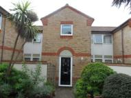 Town House to rent in Albion Court...