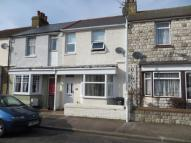 Terraced home to rent in Victoria Avenue...