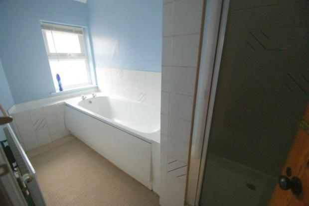 8 brinemead bathroom