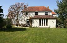 4 bed Detached property in Northclose Road...
