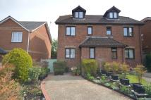 3 bed semi detached house in Pineview Drive, Newport