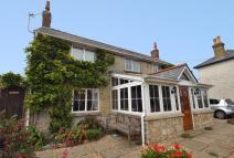 Detached home in Newport Road, Niton