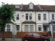 Flat in Sydenham Road, Croydon...