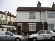 Flat in Bingham Road, Croydon...