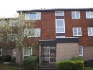 Flat to rent in Anselm Close, Croydon...