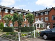 Apartment in Laburnum Court...
