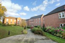 Flat for sale in Ingle Court...