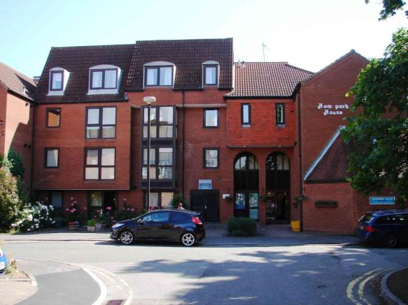 1 Bedroom Apartment For Sale In Homepark House South Street