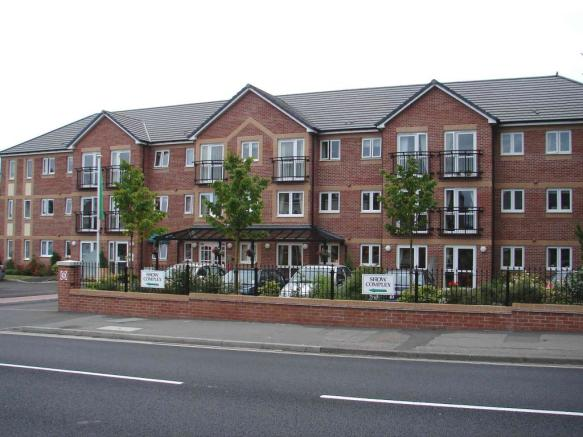 1 Bedroom Apartment For Sale In Hardys Court Dorchester Road Weymouth Dt4 7nl Dt4