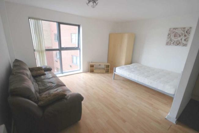 Studio Flat To Rent In Lincoln Gate Red Bank Manchester