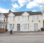 Apartment to rent in Woodcote Grove Road...