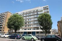 Flat to rent in Bowen Court, Hove