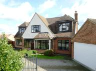Detached house to rent in Leasway, Rayleigh, Essex
