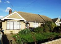 Semi-Detached Bungalow to rent in Uplands Park Road...