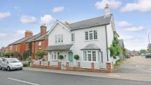 4 bedroom Detached house in Terrace Road North...