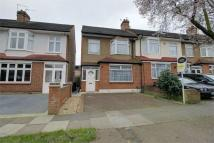 4 bed End of Terrace house in Willow Road, Enfield...