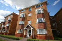 Ground Flat to rent in PETER CANDLER WAY...