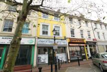 Flat to rent in Bank Street, Ashford