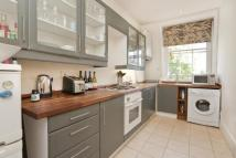 2 bedroom Flat in Compton Terrace...