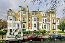 Flat in Highbury Crescent...