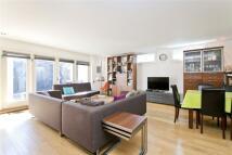 2 bedroom Detached property to rent in Caledonian Road...