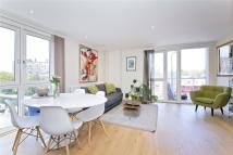 2 bed Flat to rent in Devizes Street, London...