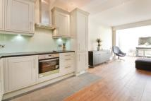 Flat to rent in Ardleigh Road, Canonbury...