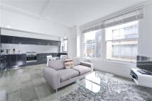 3 bed Flat to rent in Great Sutton Street...