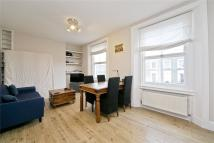 Flat to rent in Crescent Street...