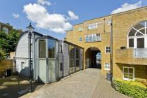 2 bed Terraced property to rent in Clare Lane, Canonbury, N1