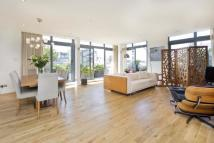 2 bed Flat in Saffron Hill...