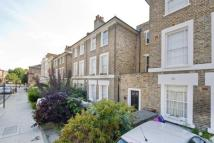 1 bedroom Flat in Navarino Road, Hackney...