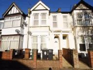 Apartment to rent in Brookscroft Road, London...