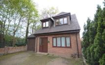 3 bedroom Detached property for sale in Manor Park Drive...