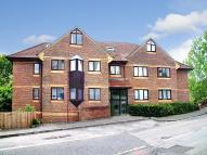 Flat to rent in Woodland Vale...