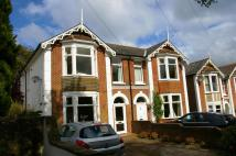 4 bed semi detached property in Oakhill Road, Seaview...
