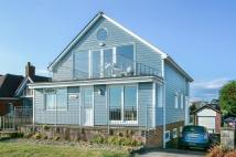 Detached property in Seaview SEA FRONT...