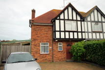 3 bedroom semi detached house to rent in Raleigh Crescent...